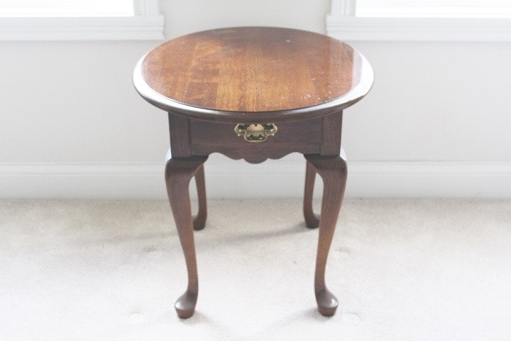 Pennsylvania House Furniture Walnut Oval Side Table