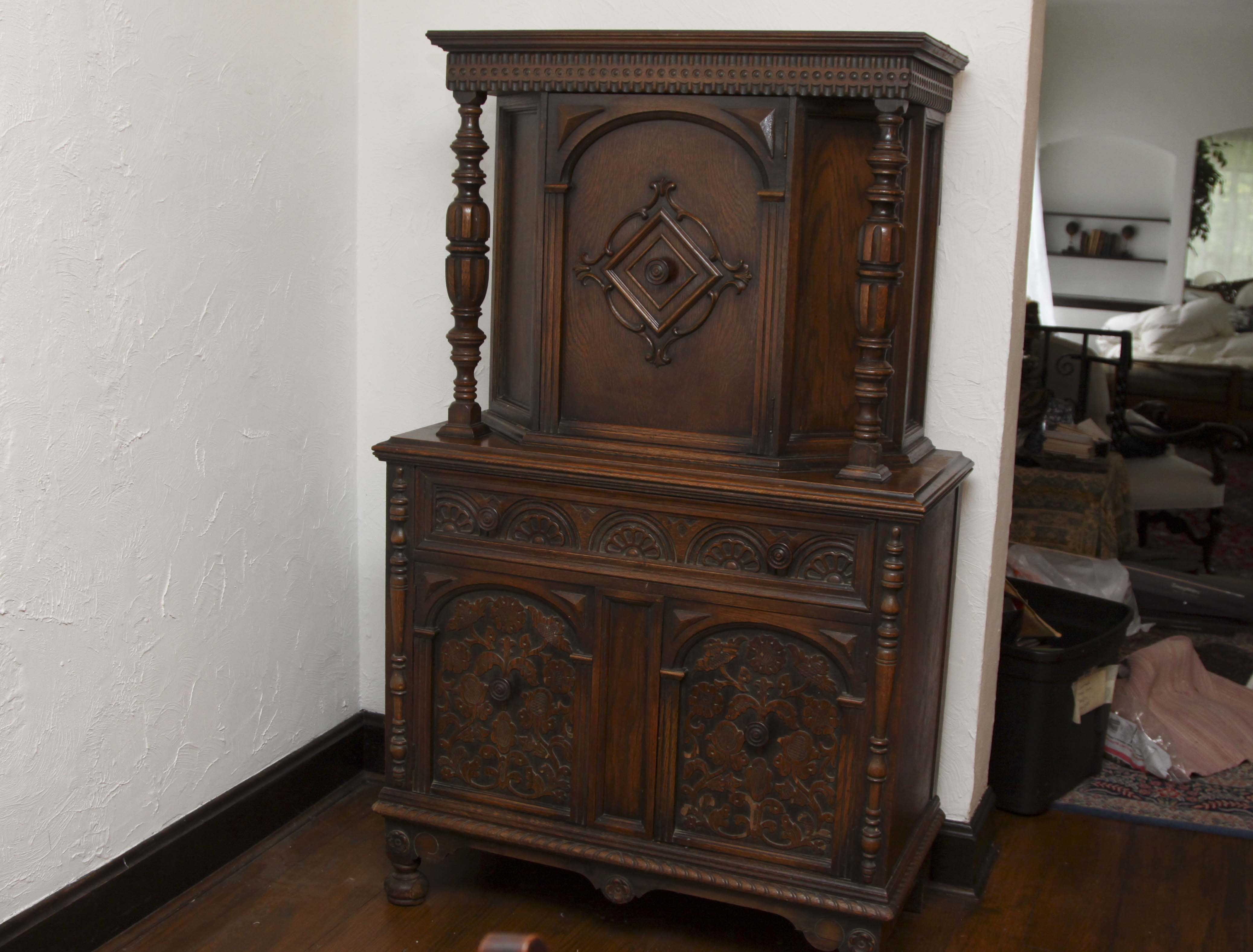 Jacobean Revival Style Carved Oak China Cabinet : EBTH