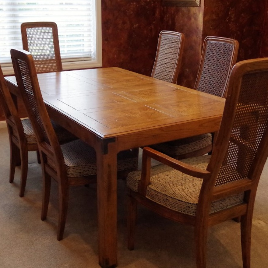 Henredon Dining Table with Two Leaves and Six Chairs