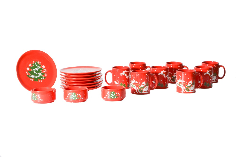 Collection of Waechtersbach Christmas Dinnerware ...  sc 1 st  EBTH.com : waechtersbach red dinnerware - pezcame.com