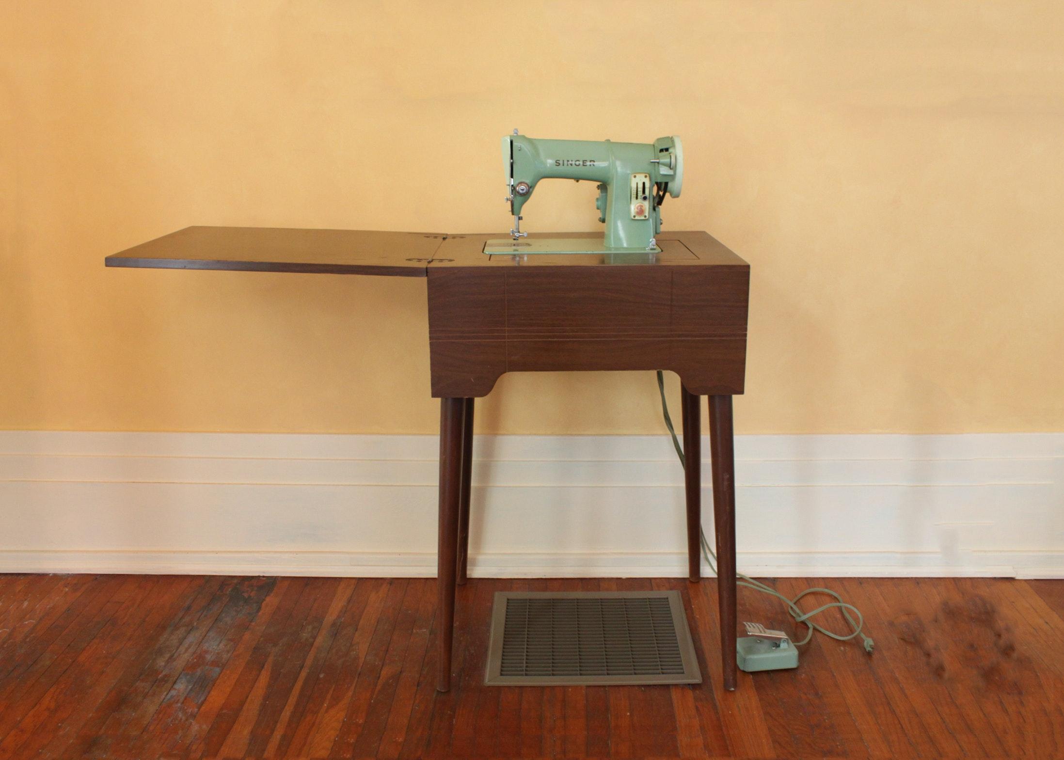Vintage Singer Sewing Machine Model RFJ8 8 And Hideaway Stand ...