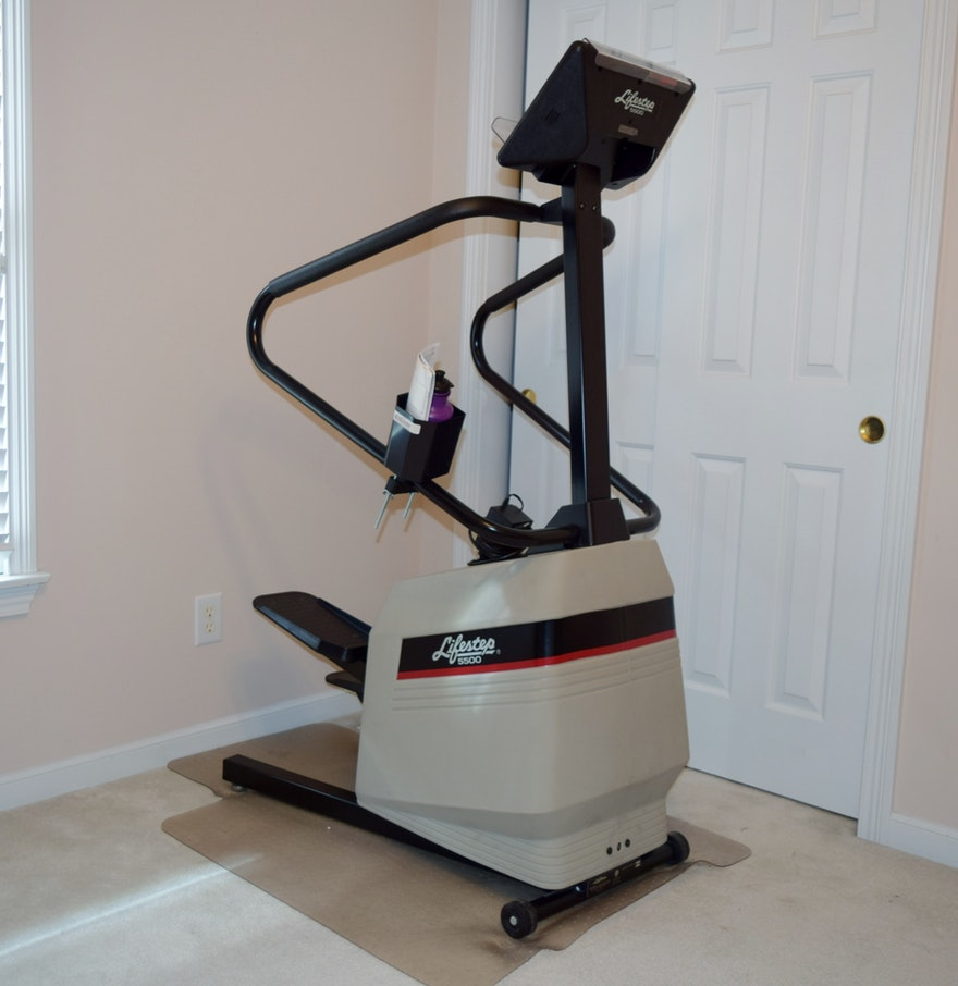 life fitness lifestep 5500 stair stepper ebth. Black Bedroom Furniture Sets. Home Design Ideas