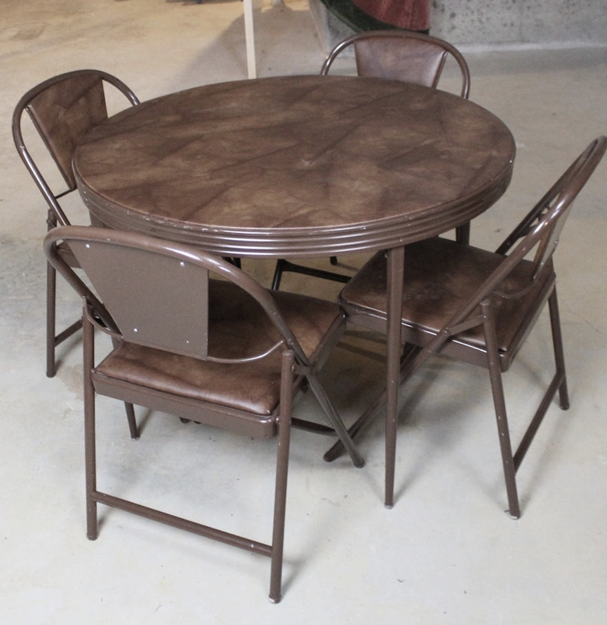 round folding card table with four matching chairs ebth. Black Bedroom Furniture Sets. Home Design Ideas