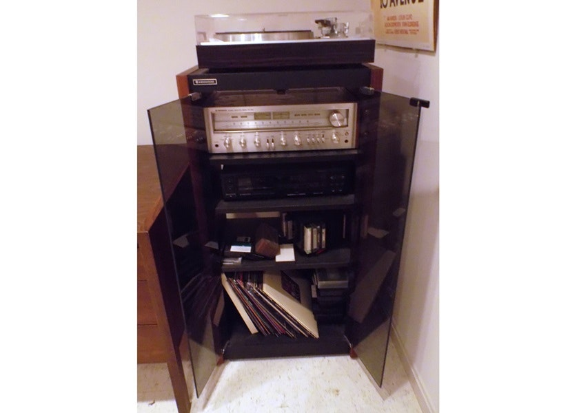 Vintage Stereo System And Cabinet ...