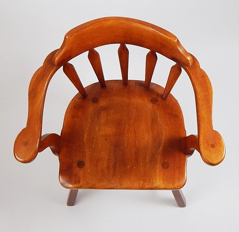 Vintage Cushman Colonial Creations Maple Captain S Chair