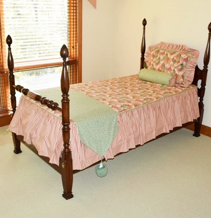pair of mahogany four poster twin beds ebth. Black Bedroom Furniture Sets. Home Design Ideas