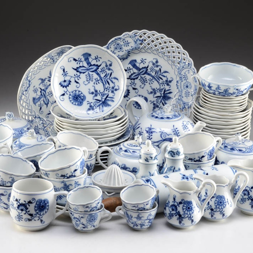 """Blue and White """"Zwiebelmuster"""" Porcelain Luncheon China Set"""