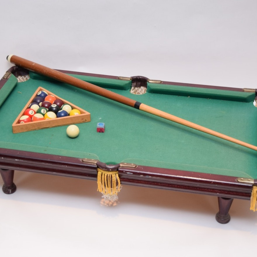 Minnesota Fats Miniature Pool Table EBTH - Fats pool table
