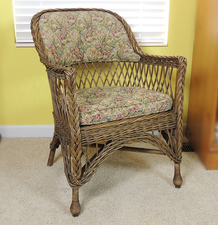 Antique wicker chair antique furniture for Vintage furniture