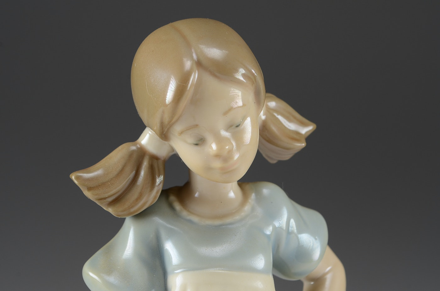 Lladro Girl With Mop And Cats