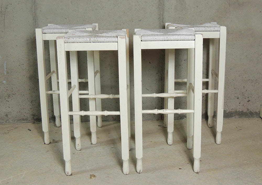 Etonnant Four Pottery Barn White Shabby Chic Bar Stools ...