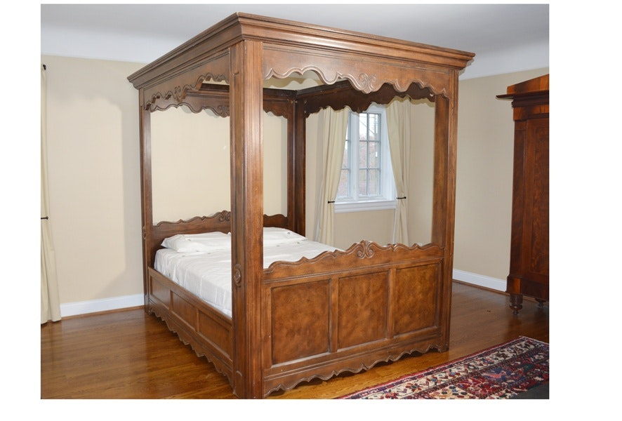 Sensational Baker Queen Canopy Bed & Online Furniture Auctions | Vintage Furniture Auction | Antique ...