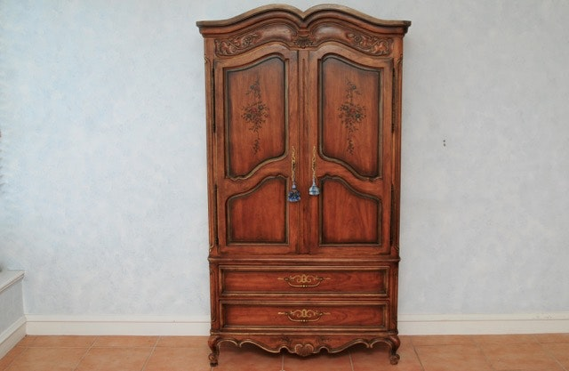 Merveilleux Drexel Heritage Brittany Armoire ...
