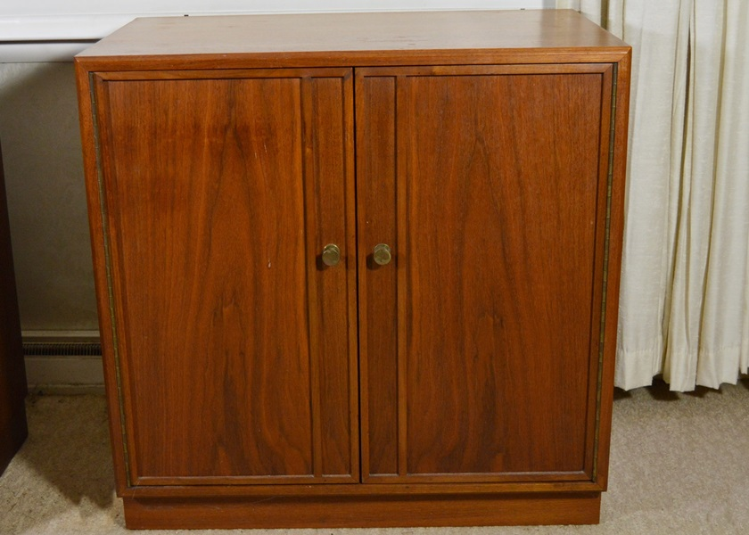 Vintage Cabinets, Dressers and Antique Trunks Auction in Indian ...