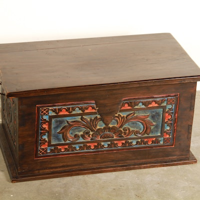 Dark Stain Carved Wooden Trunk - Online Furniture Auctions Vintage Furniture Auction Antique