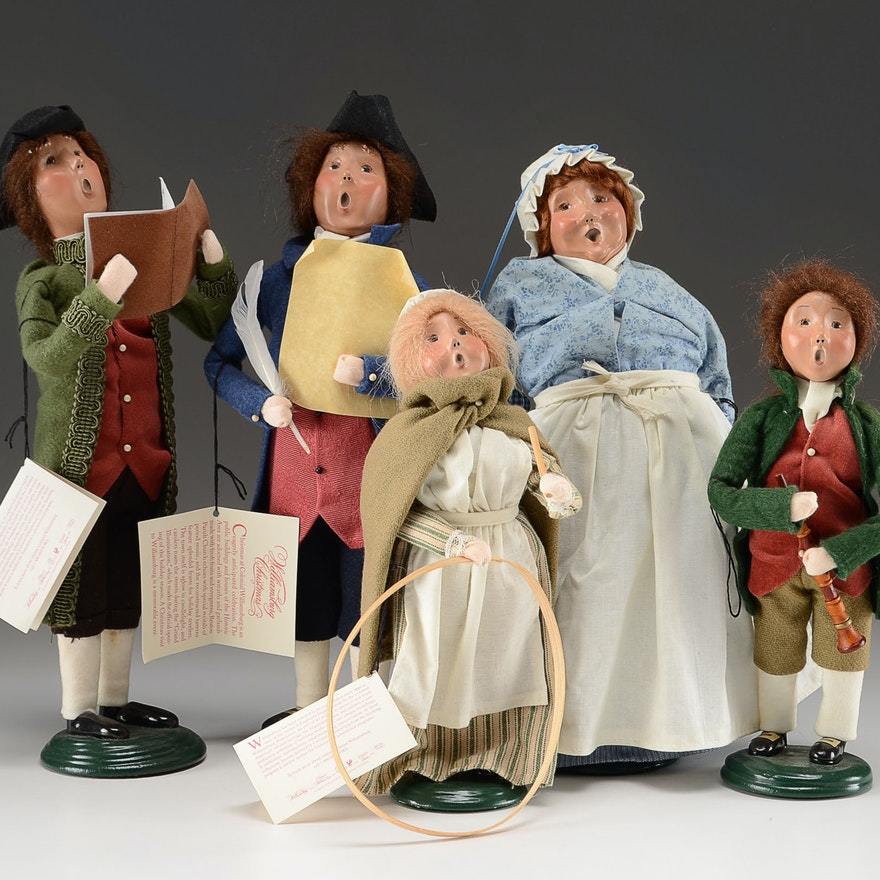 Byer's Choice Carolers Williamsburg Colonial Series