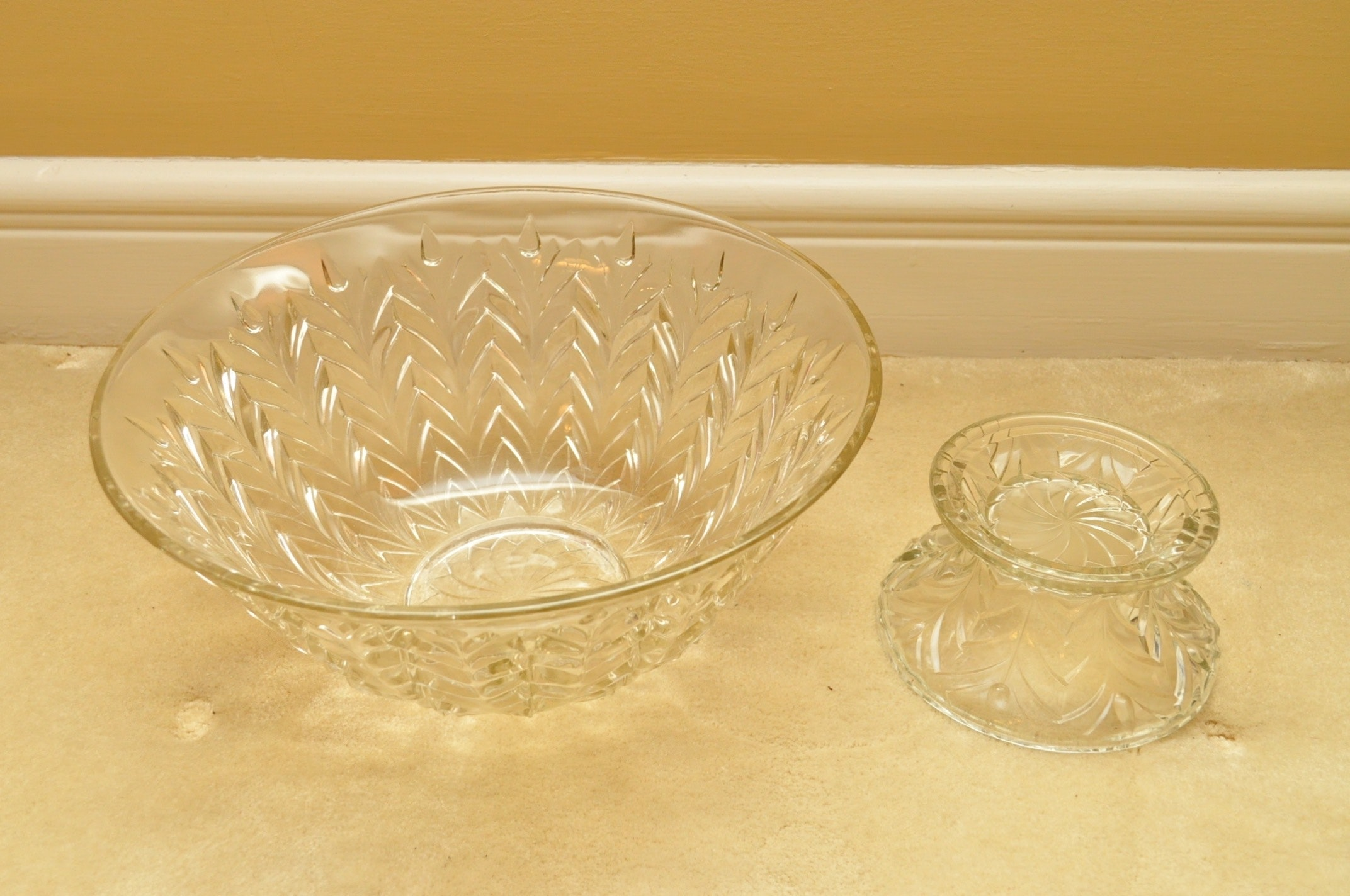Glass Serving Dishes And Trinkets Ebth