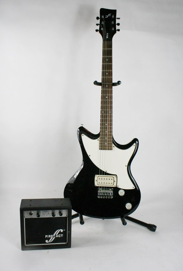 first act electric guitar and amp ebth. Black Bedroom Furniture Sets. Home Design Ideas