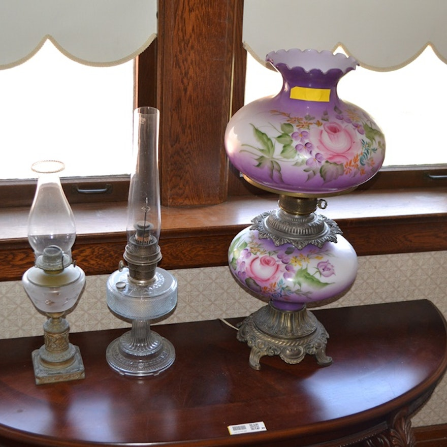 Lovely Hand Painted Vintage Parlor Lamp
