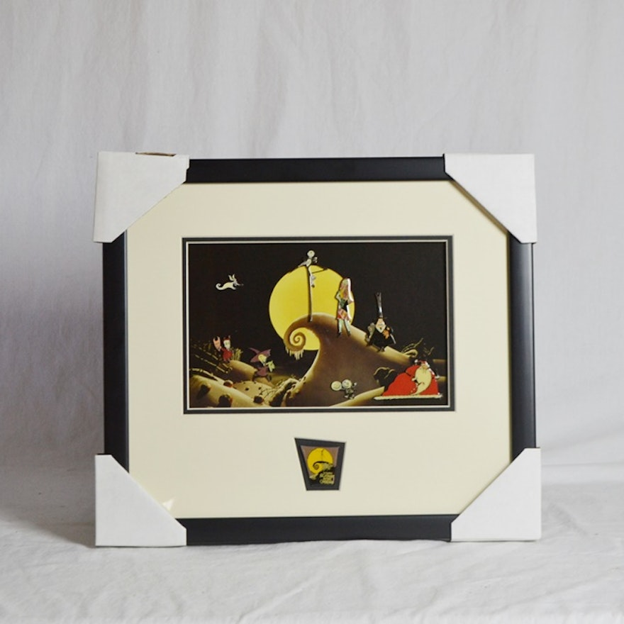 """Framed  1993 """"Nightmare Before Christmas"""" Pin Set With COA"""