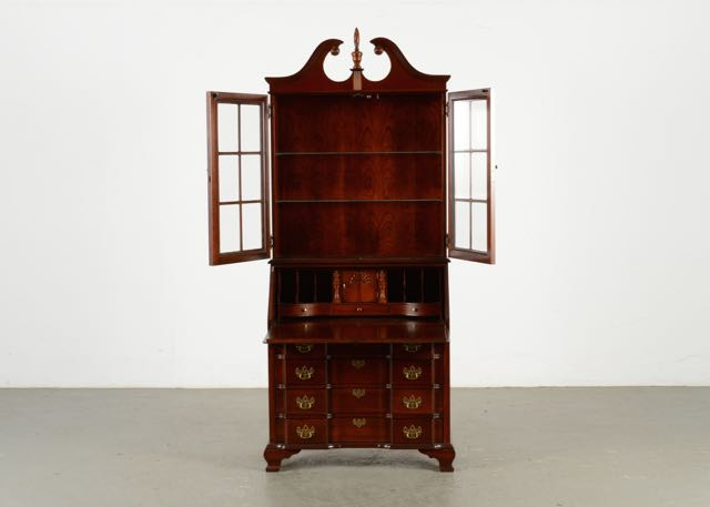 Vintage Cabinets, Dressers and Antique Trunks Auction in Lexington ...