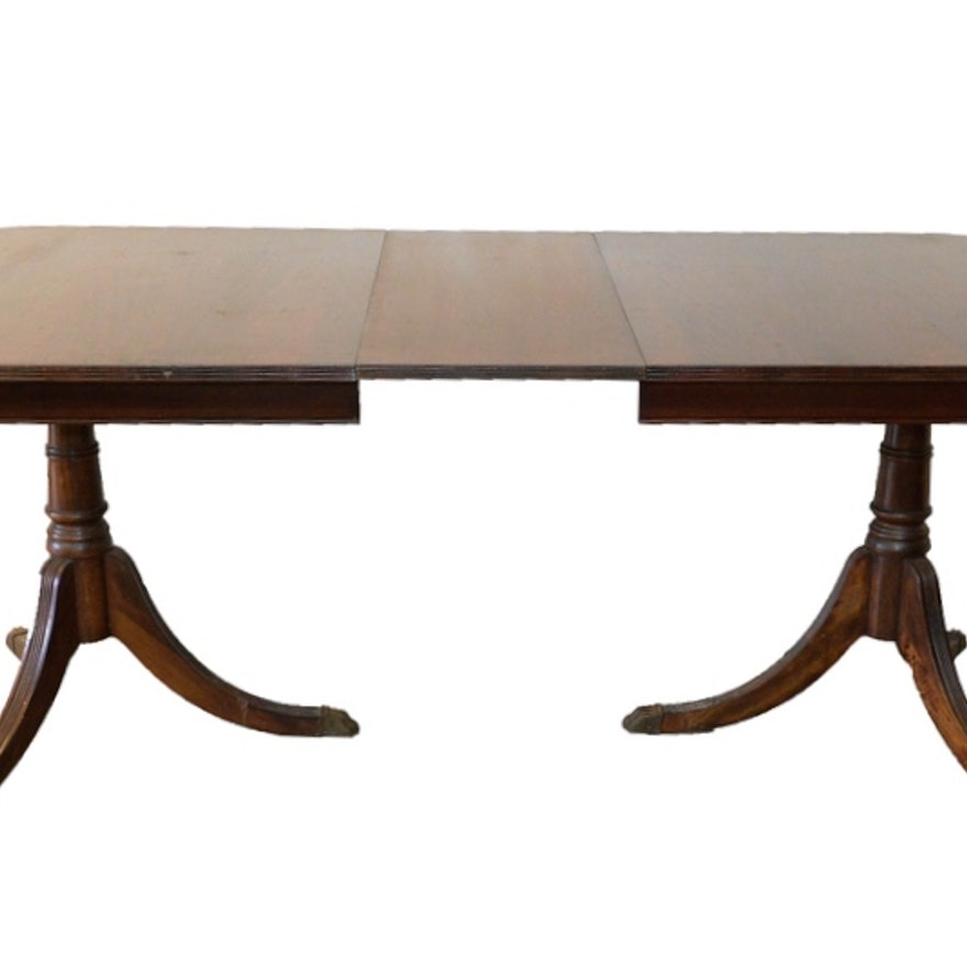 Duncan Phyfe Style Dining Table With Leaf Insert Ebth
