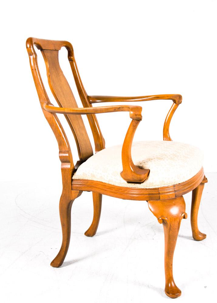 Queen Anne Style Armchair : EBTH