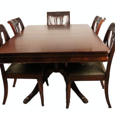 Duncan Phyfe Style Mahogany Veneer Dining Table And Chairs