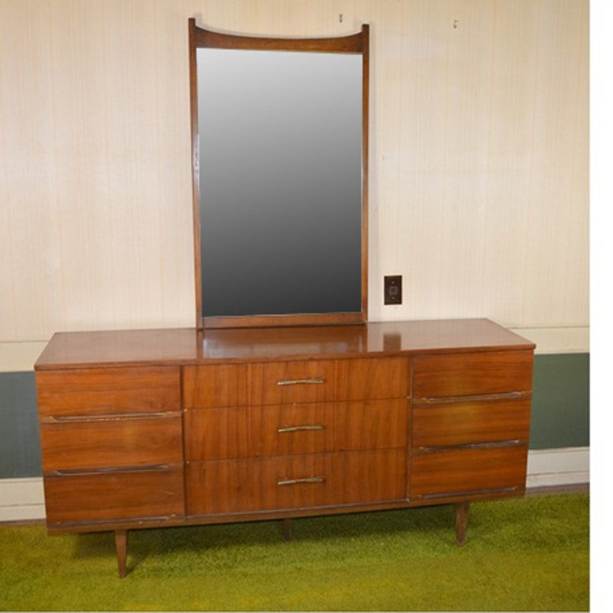 Harmony House Mid Century Modern Nine Drawer Dresser and Mirror : EBTH