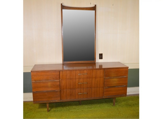 Harmony House Mid Century Modern Nine Drawer Dresser And Mirror ...