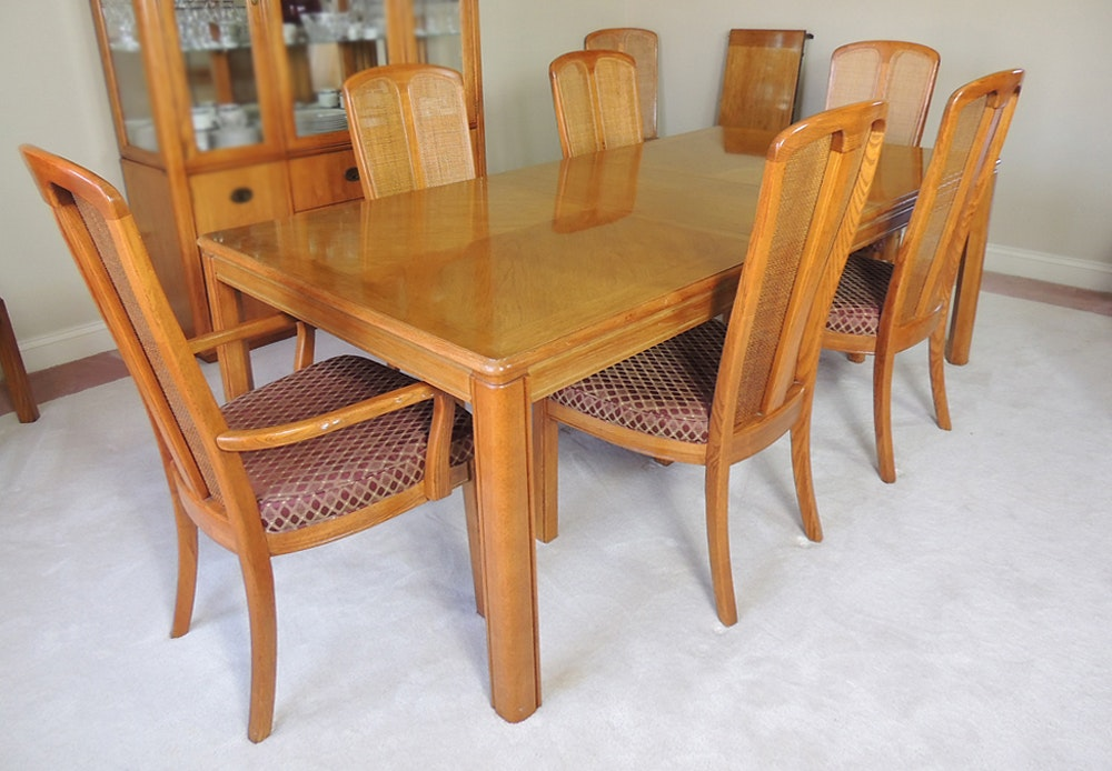 Oak Dining Table And Eight Chairs By Stanley Furniture