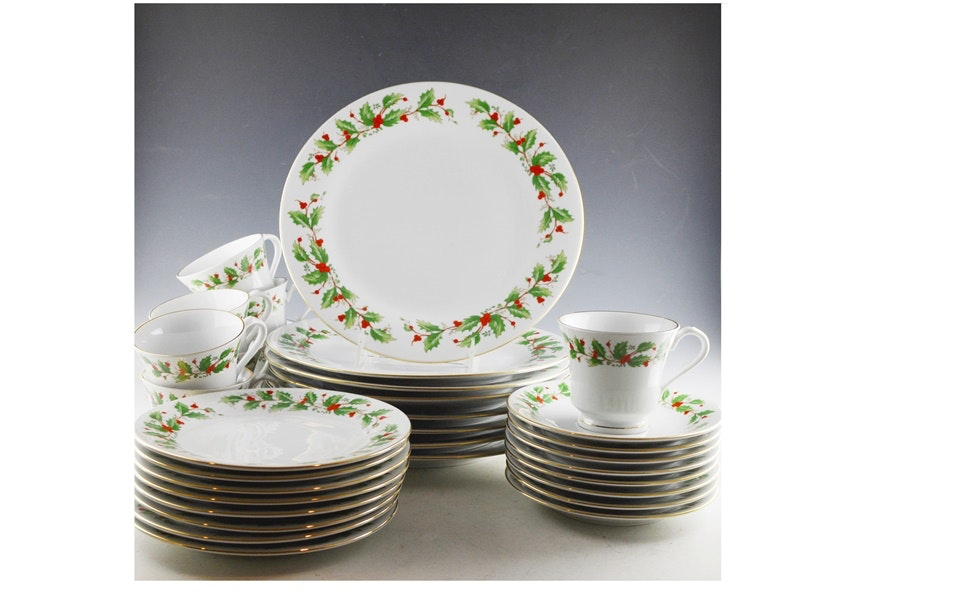 China Pearl  Noel  Fine China Dinnerware Set ...  sc 1 st  EBTH.com & China Pearl