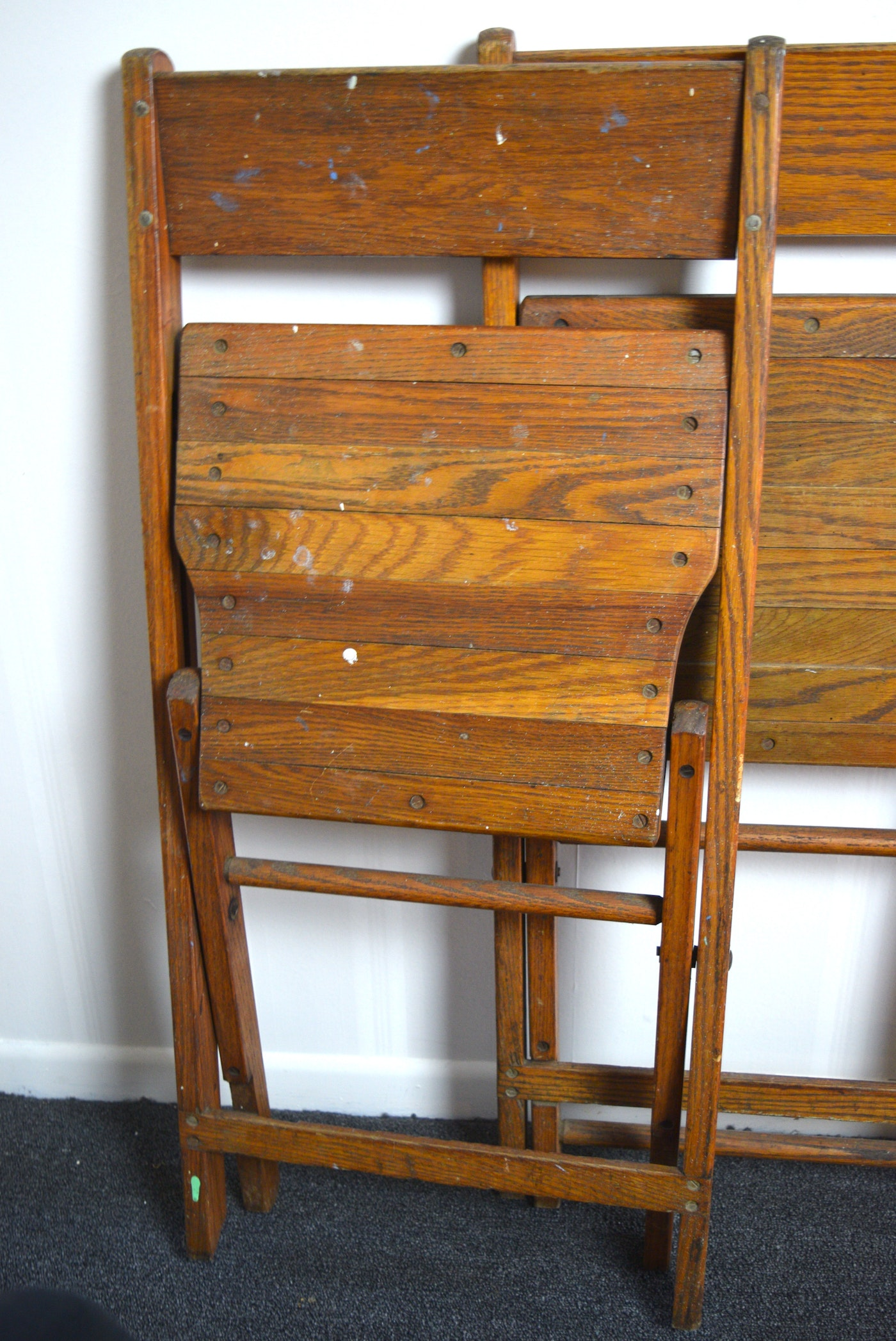 Four Vintage Snyder Chair Co Wooden Folding Chairs Ebth