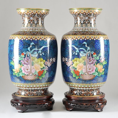 vintage decorative vases urns and flower pots auction in murrieta ca home furnishings. Black Bedroom Furniture Sets. Home Design Ideas