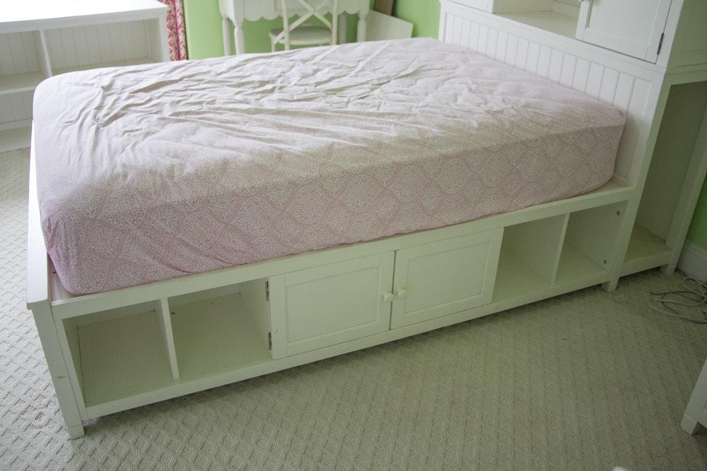 "Pottery Barn Teen ""Beadboard"" Storage Bed : EBTH"