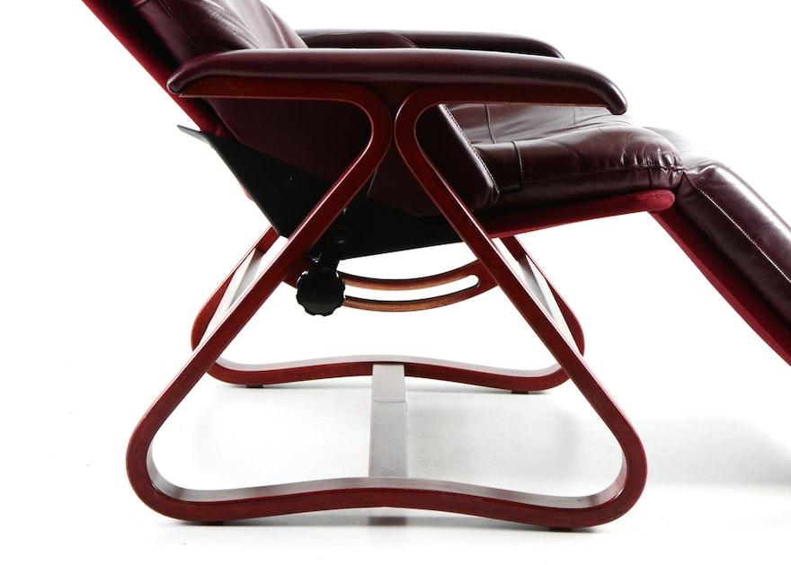 "Signature ""Backsaver"" Leather Zero Gravity Chair | EBTH"
