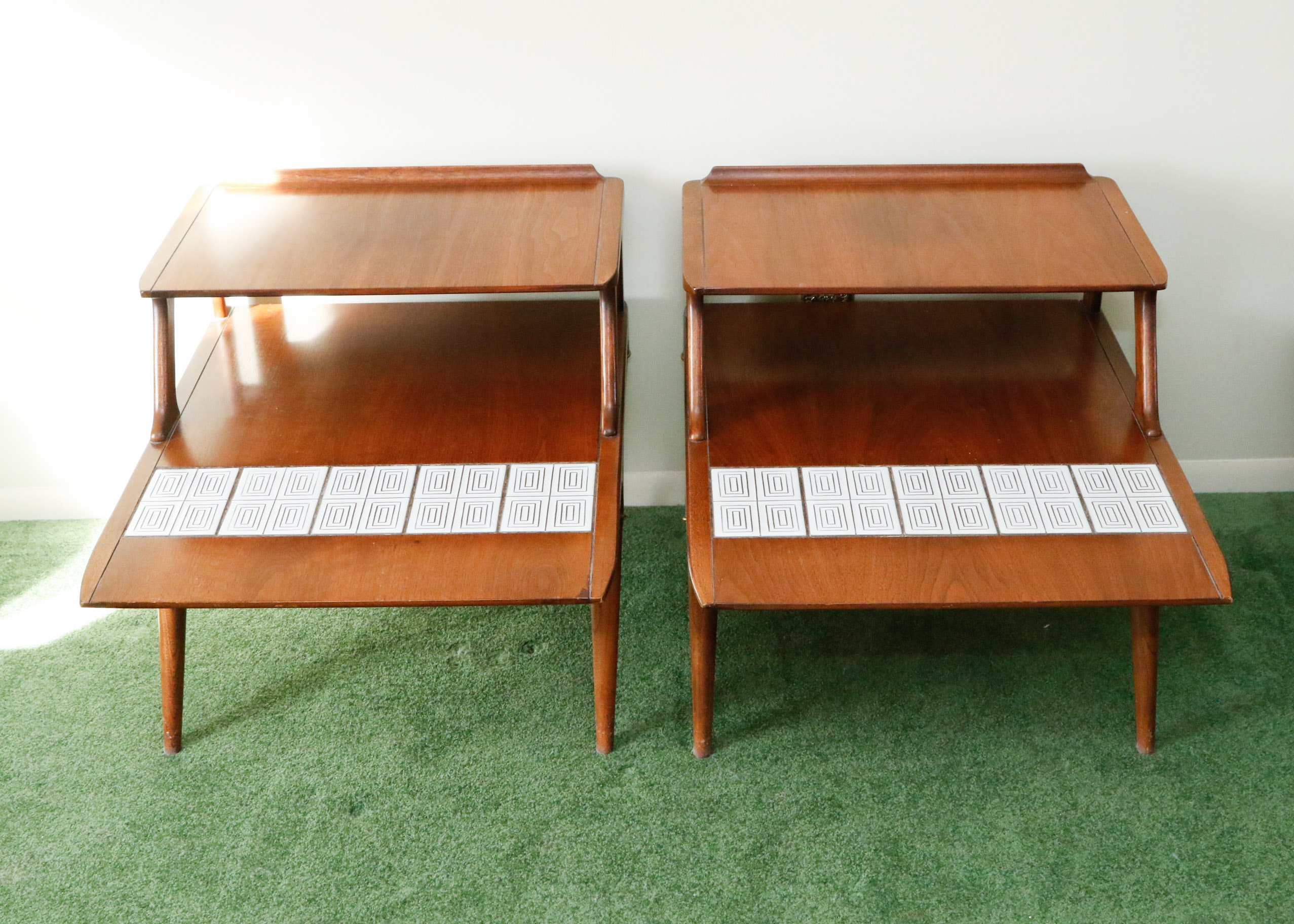Superbe Lane Mid Century Modern End Tables With Tile Inlay ...