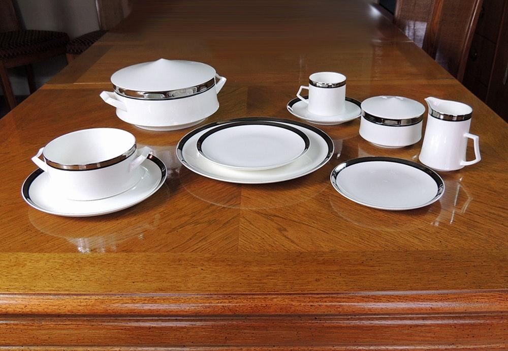 50 Piece Mikasa Solitude White Bone China Dinnerware Set ... & 50 Piece Mikasa Solitude White Bone China Dinnerware Set : EBTH