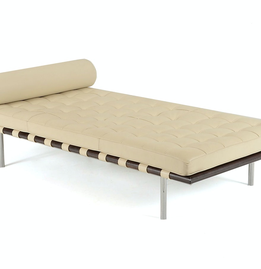 Barcelona leather chaise lounge day bed ebth for Barcelona chaise lounge