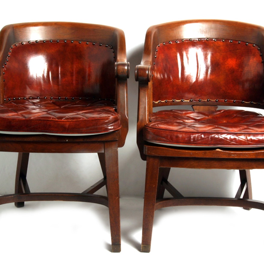Pair Of Vintage Maple Chairs By Milwaukee Chair Company Ebth