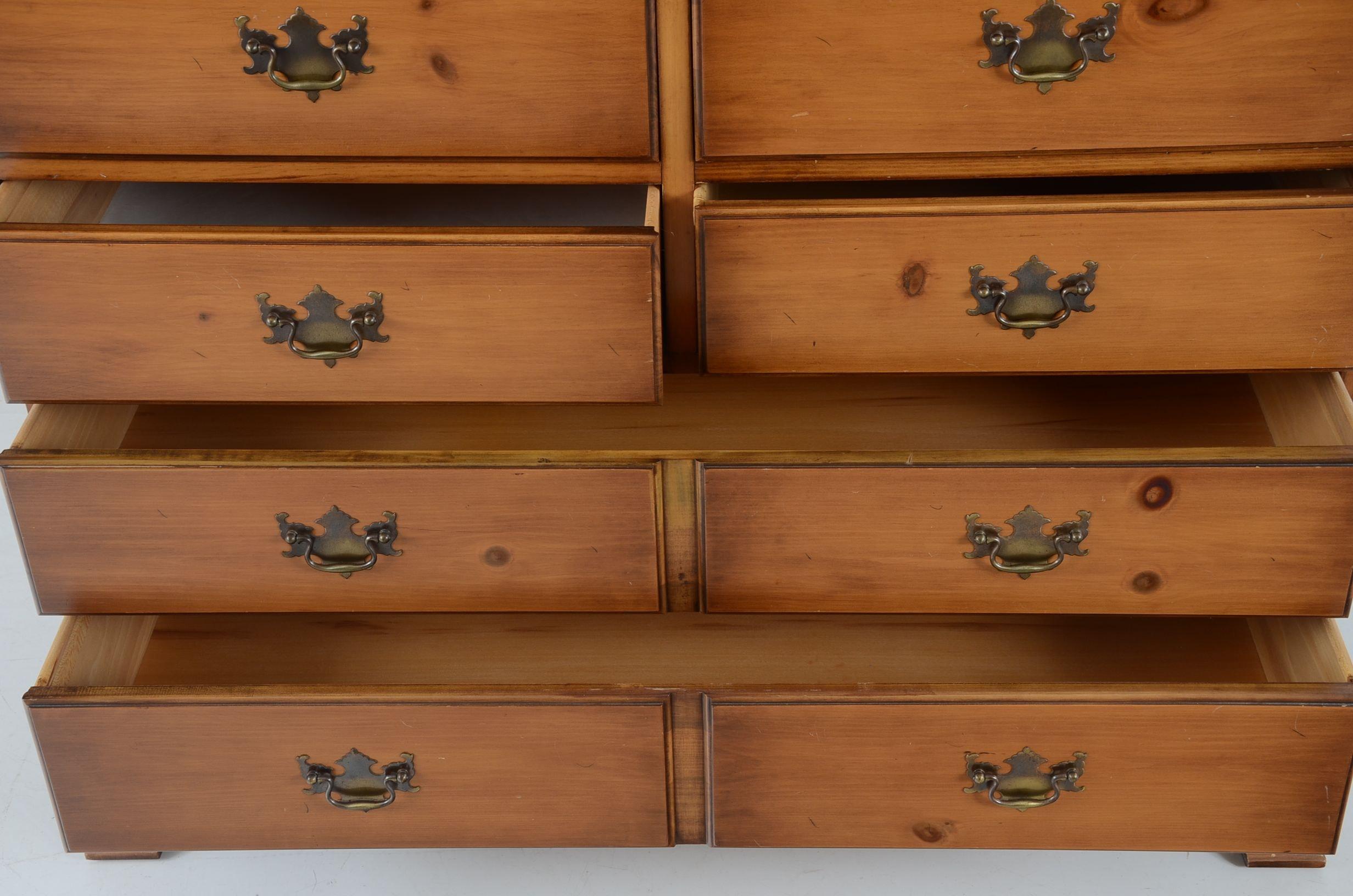 Drexel Quot Traditional American Quot Pine Dresser Ebth