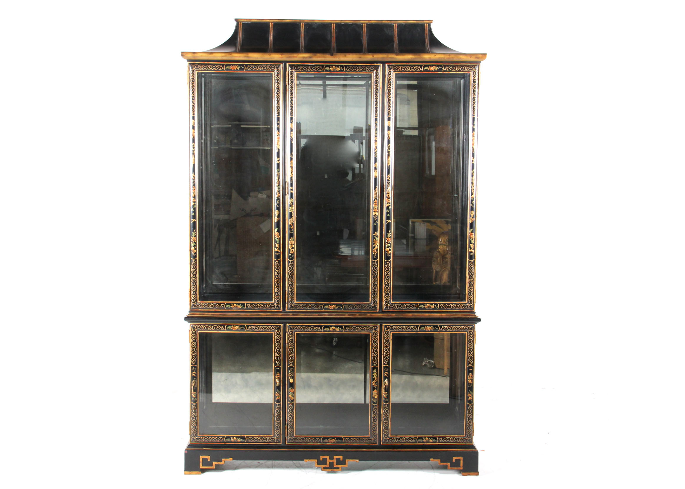 Drexel Black Lacquer Chinoiserie Display Cabinet : EBTH