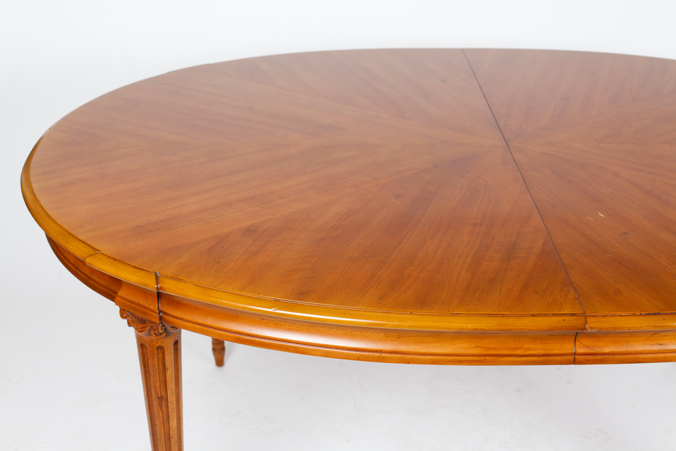 Henredon Dining Table and Chairs : EBTH