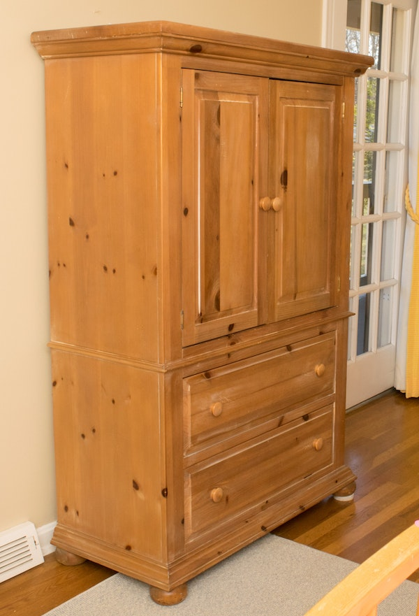 white washed wooden armoire by broyhill ebth. Black Bedroom Furniture Sets. Home Design Ideas