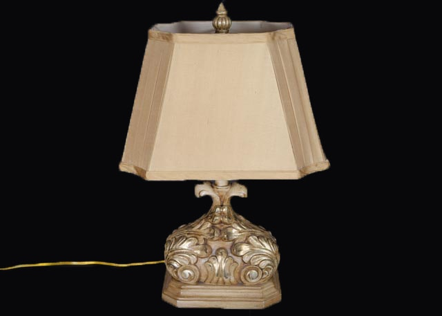 Acanthus designed table lamp