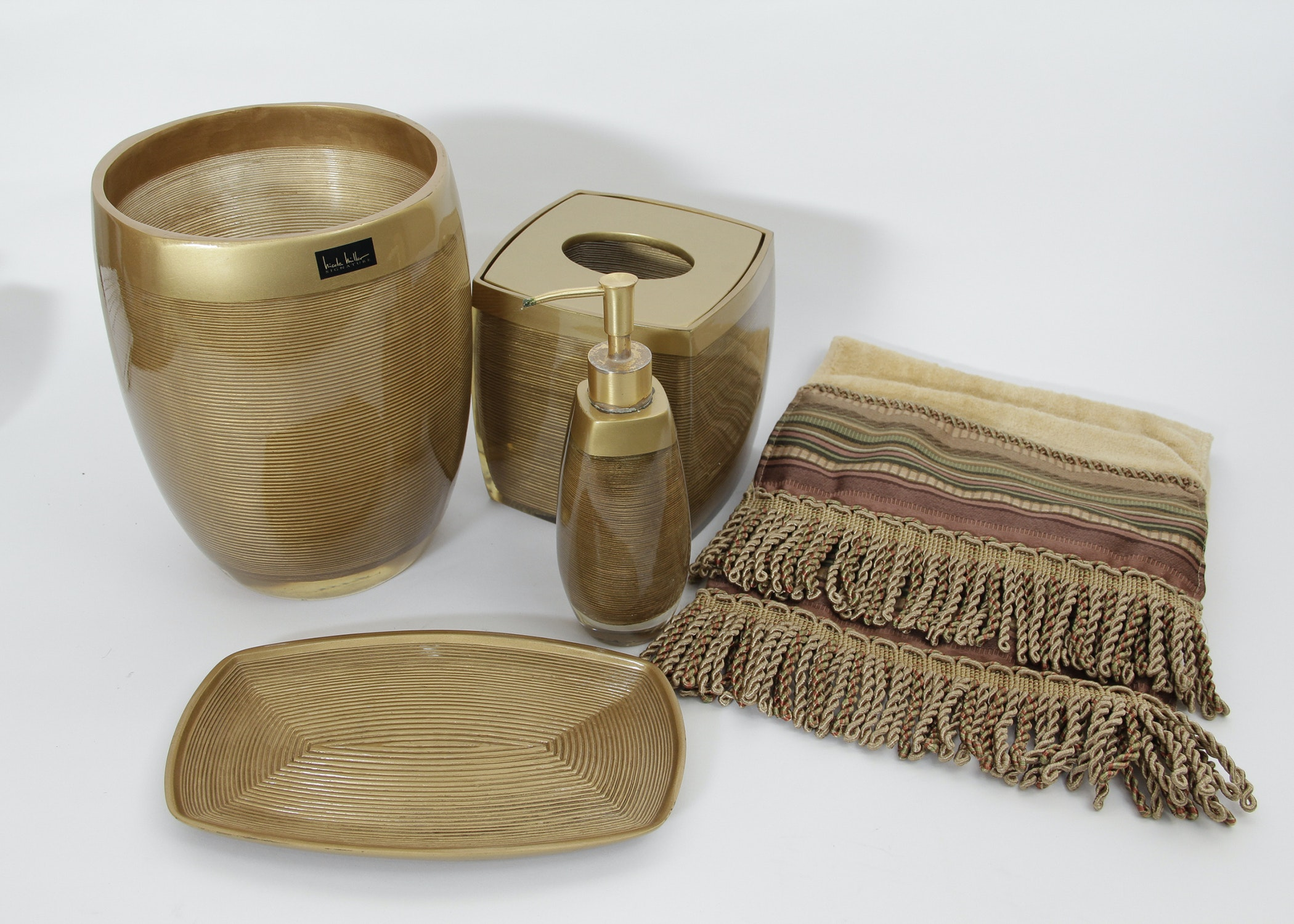 Charmant Nicole Miller Bathroom Accessories ...