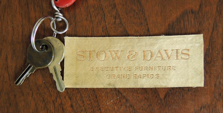 Stow Amp Davis Executive Walnut Desk Ebth