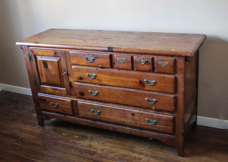 Link Taylor Pilgrim Pine Dresser ...