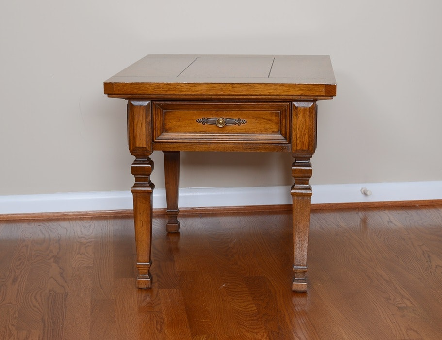 Charming Vintage Thomasville End Table ...