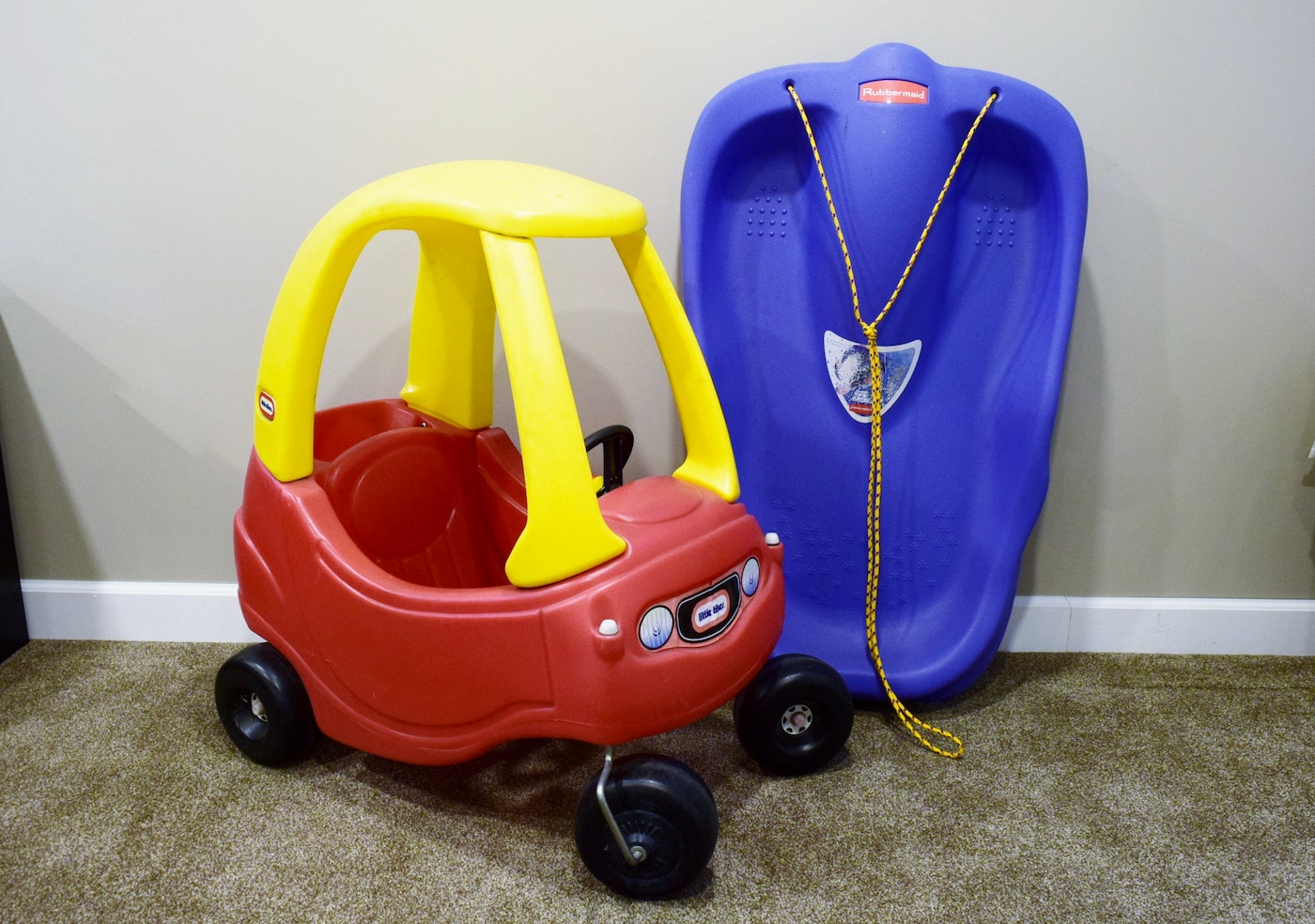 littletikes cozy coupe and rubbermaid sled ebth. Black Bedroom Furniture Sets. Home Design Ideas